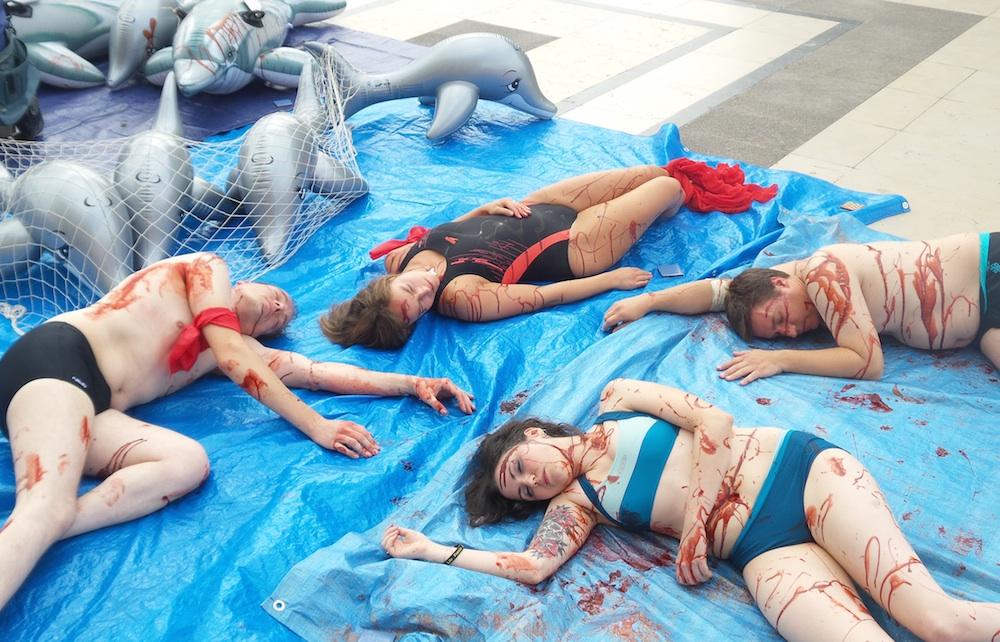 eric1 Des militants de la cause animale réunis à Paris pour dénoncer le massacre de dauphins dans la baie de Taiji